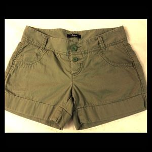 Express Cuff Bottom Button Fly Army Green Shorts 2